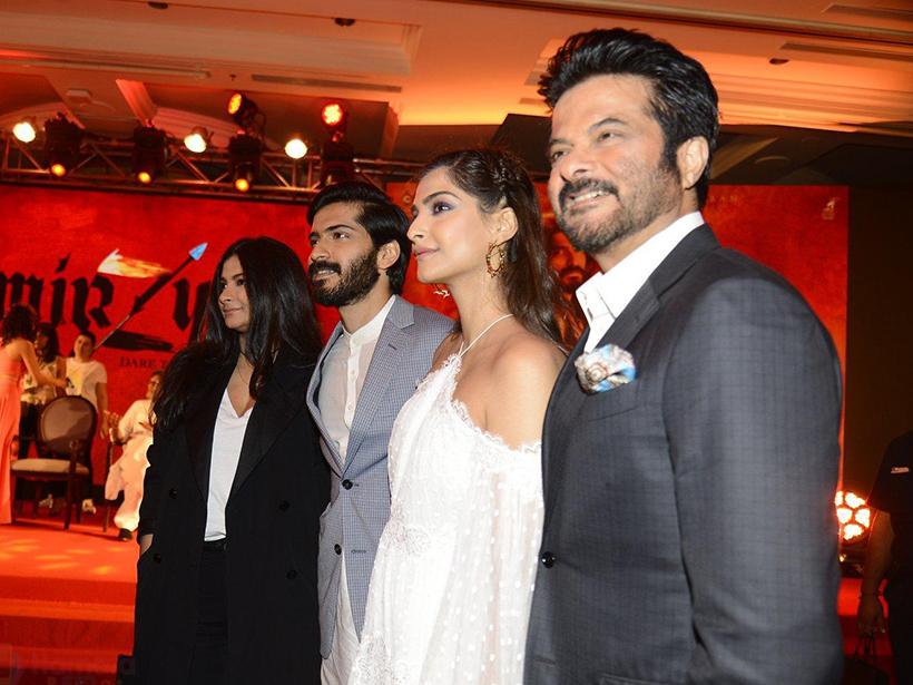 Sonam si Rhea Kapoor si tatal lor Anil Kapoor