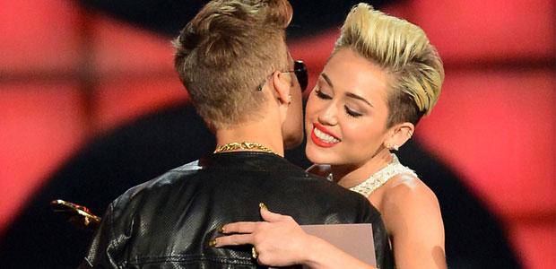 Miley Cyrus si Justin Bieber